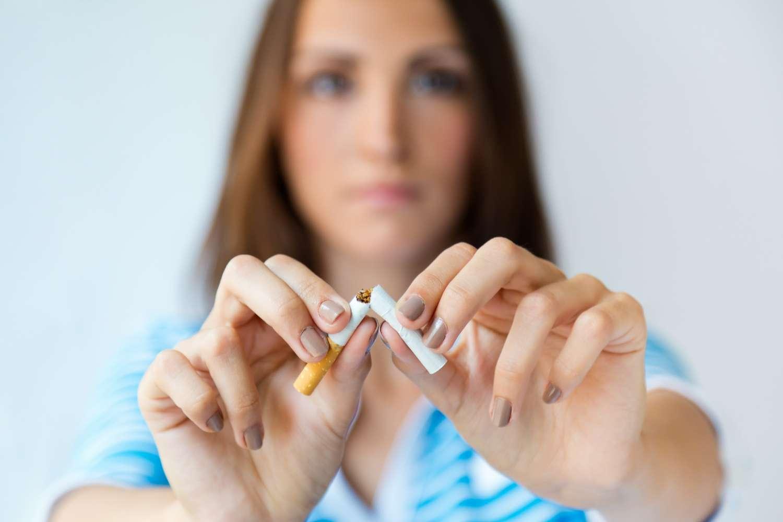 smettere di fumare denti ritornano bianchi?